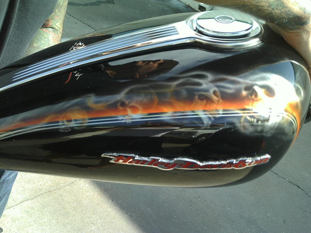 Custom painted tank with skulls